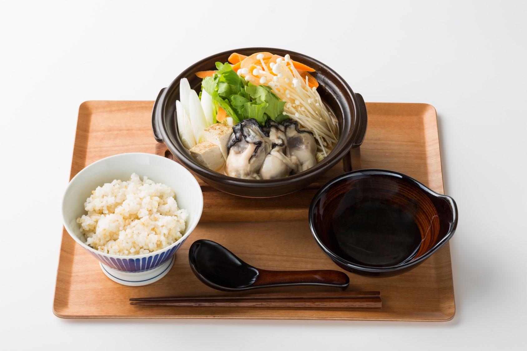 牡蠣の土手鍋 定食 広島ランチ
