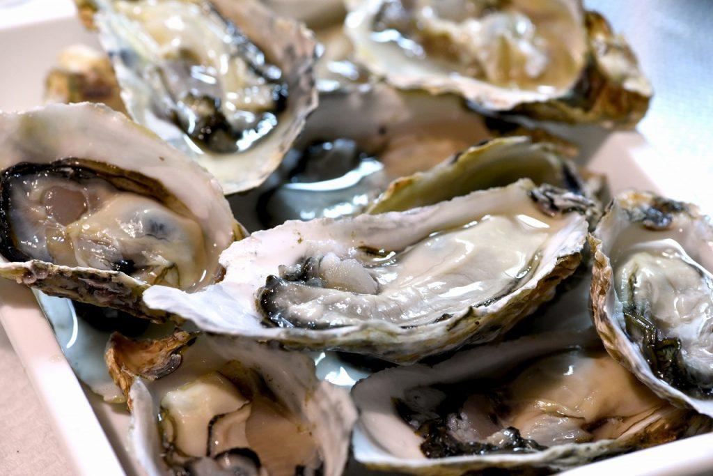 広島 宮島 牡蠣 生牡蠣 殻付き牡蠣